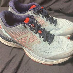 Women's New Balance Running Shoes BRAND NEW IN BOX